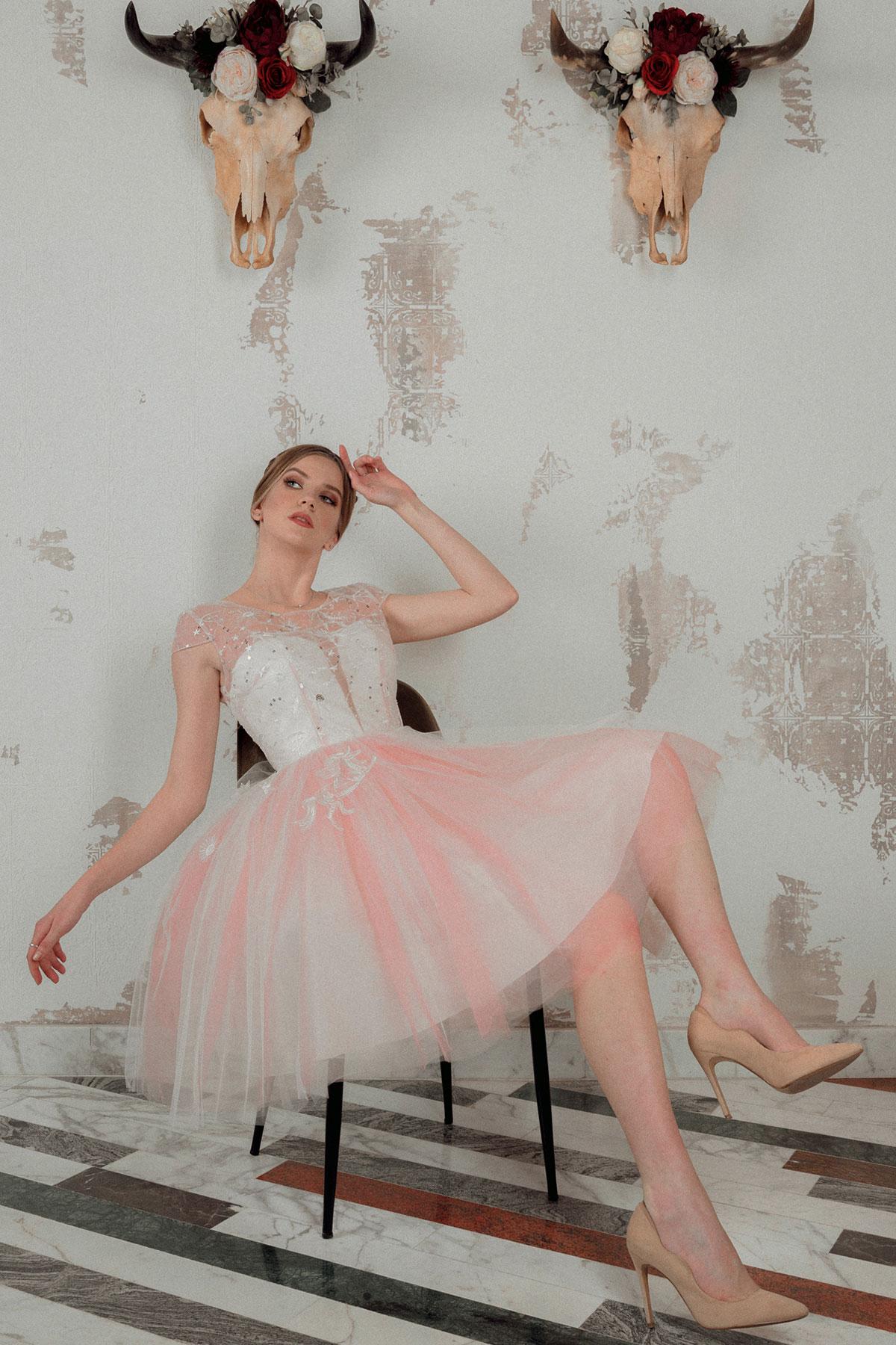 Unicorns and Marshmallows Edith Val rochie seara
